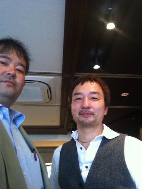 ギターリスト伊藤芳輝さんと
